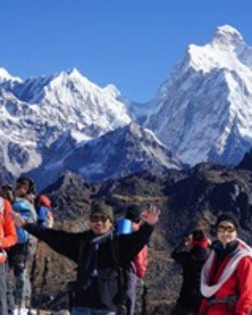 ASCENSION AU NEPAL